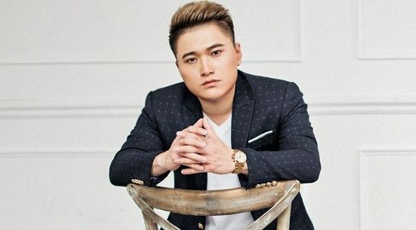 Ca sĩ Vũ Duy Khánh