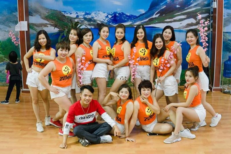 Các học viên tại Volcano Yoga - Zumba & Dance Studio