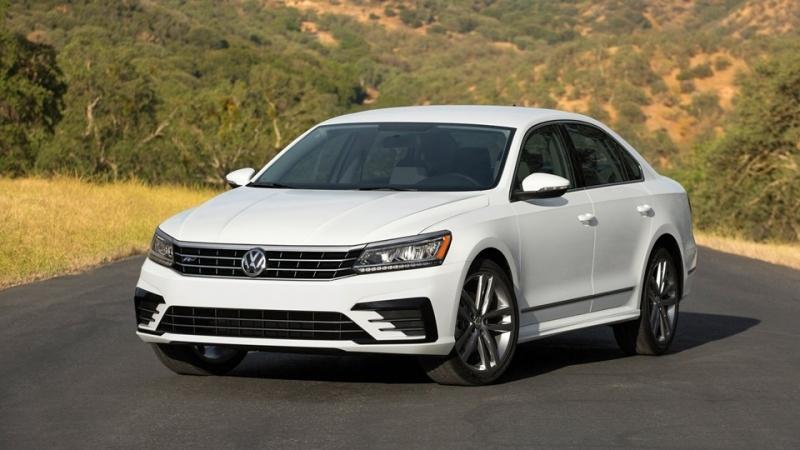 Volkswagen Passat - sedan hạng D