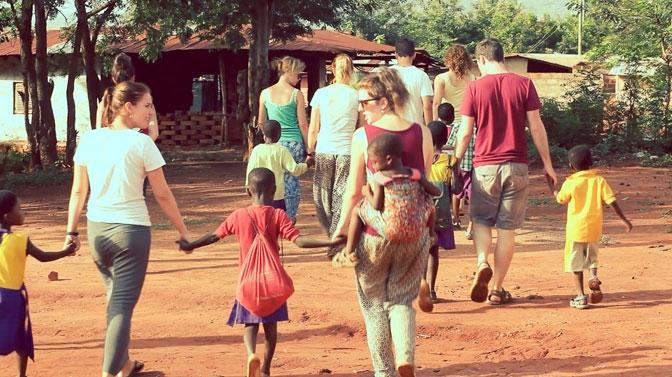 Với website này bạn có thể tìm hiêu những điều cần lưu ý khi đi tình nguyện ở nước ngoài hay du học