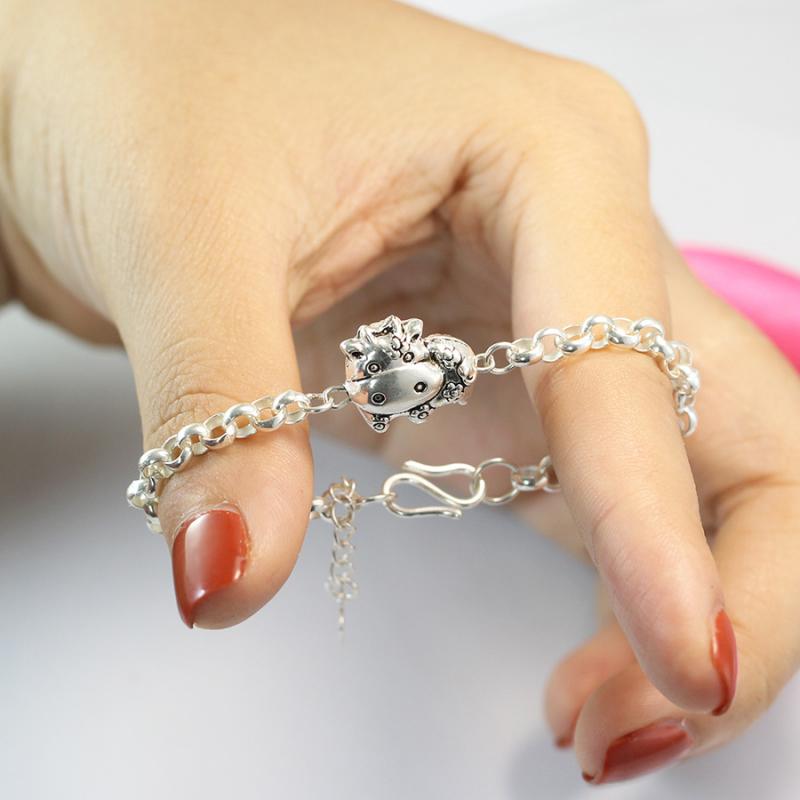 Vòng tay bạc cho bé gái