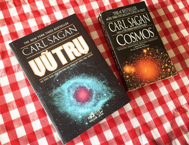 Nhiều người yêu thích thiên văn nói rằng: Vũ Trụ chính là quyển sách cần phải đọc nhất.