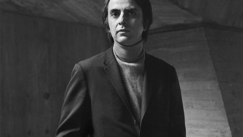 Tác giả Carl Sagan
