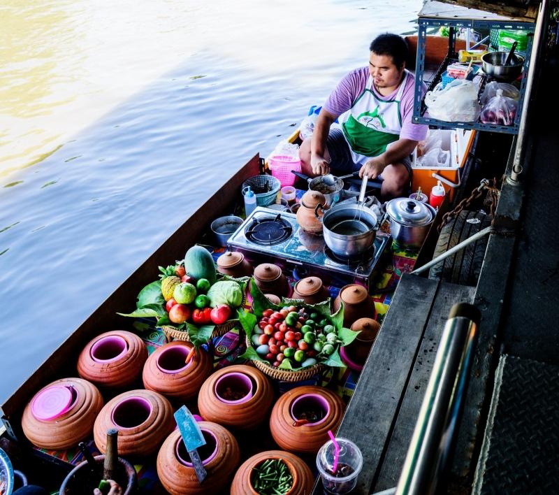 Vừa mua sắm vừa du lịch tìm hiểu văn hóa