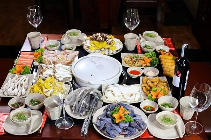 Với thực đơn là các món ngon nấu cùng với nấm, bữa tiệc tất niên sẽ trở nên thú vị và ngon miệng, tốt cho sức khỏe hơn