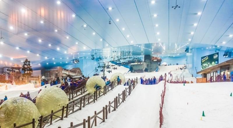 Vui chơi ở khu trượt tuyết Ski Dubai