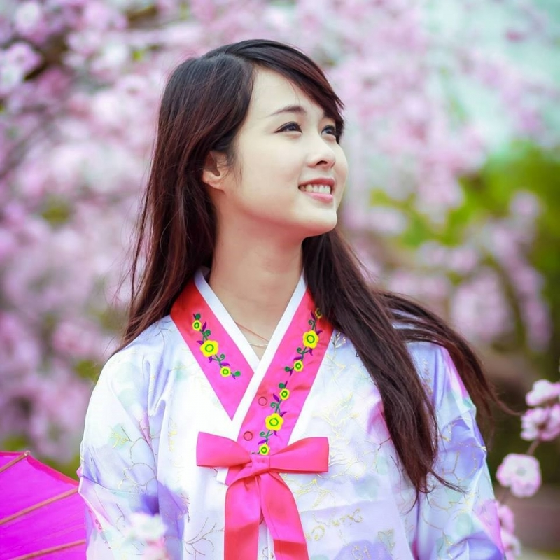 Hai Phong's daughter has a youthful, confident and dynamic beauty
