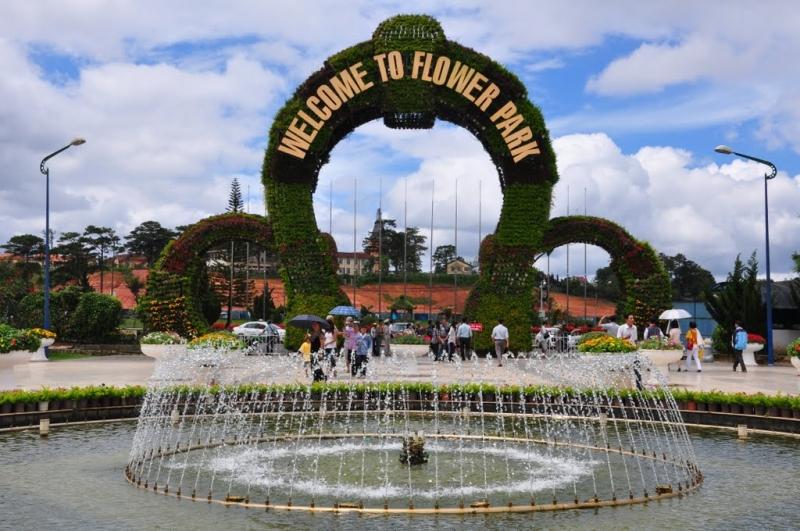 Cổng chào vườn hoa Đà Lạt