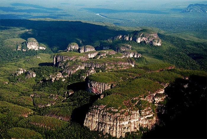 Vườn quốc gia Chiribiquete - vườn quốc gia lớn nhất Colombia
