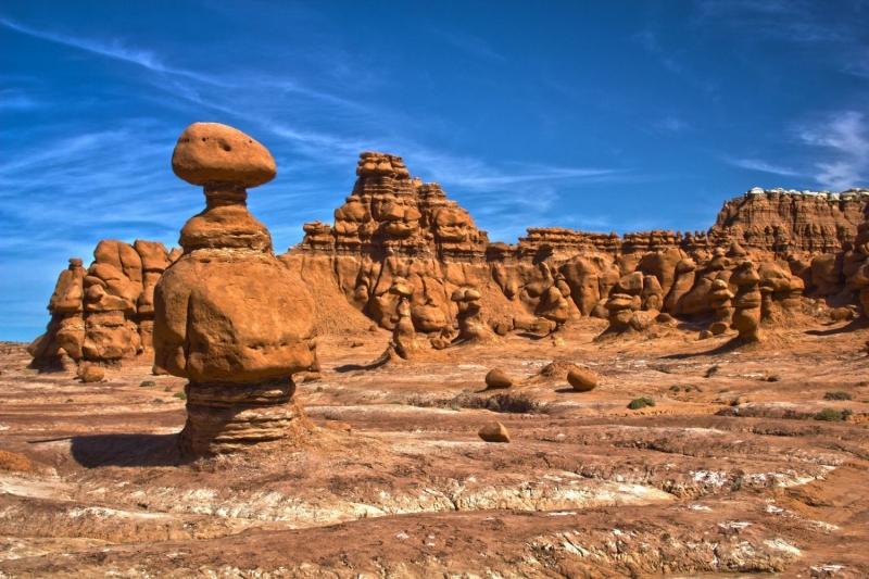 Những tảng đá yêu tinh khiến nơi đây giống một địa điểm ở ngoài hành tinh hơn là ở trái đất