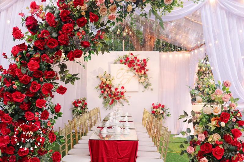 Trang trí tiệc cưới ấn tượng của Vyvy florist