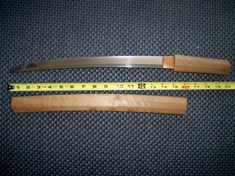 Các Samurai sẽ dùng chính thanh Wakizashi để tự mổ bụng mình - nghi thức Seppuku