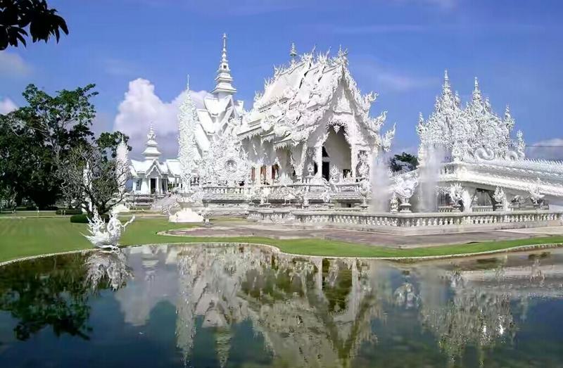 Wat Rong Khun- Thái Lan