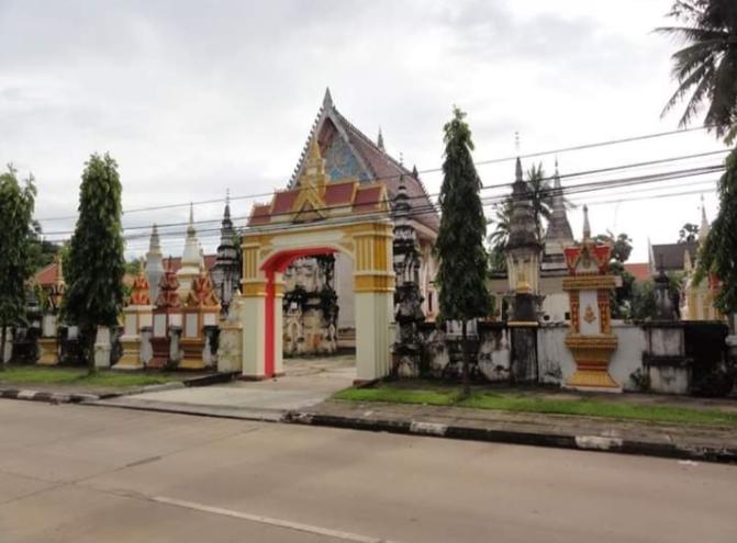 Wat Xayaphoum là một ngôi chùa cổ kính, nguy nga nằm trong lòng thủ phủ Savanakhet