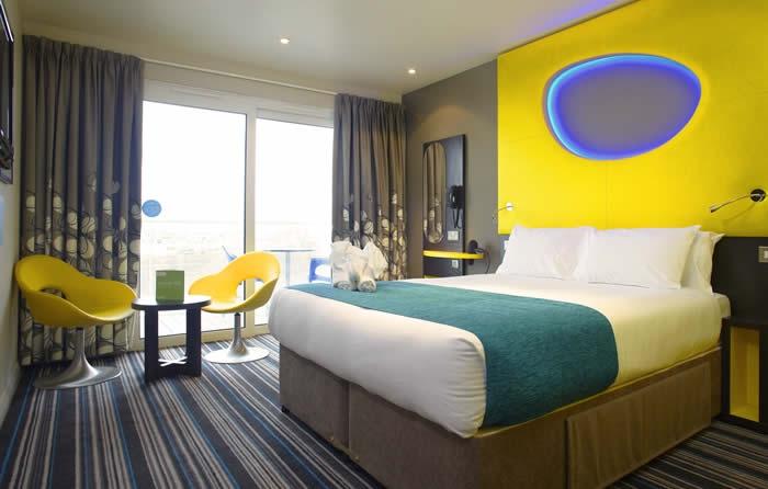 Wave Hotel cung cấp cho khách du lịch những căn phòng nghỉ vô cùng tiện nghi và hiện đại