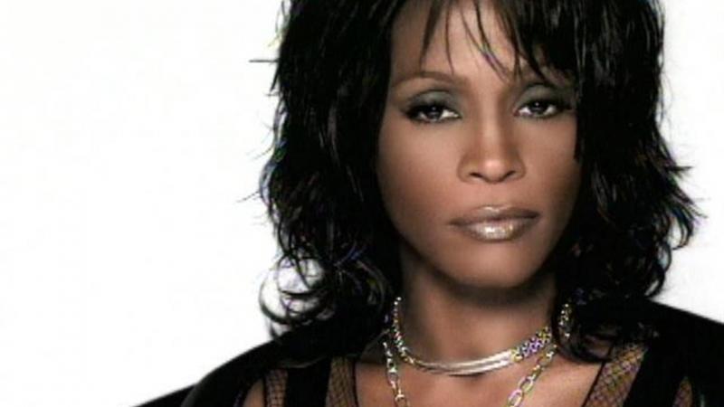 Whitney Houston là một trong những ca sĩ hiếm hoi được đánh giá là trình diễn trực tiếp hay hơn cả bản thu âm