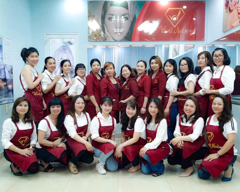 World Nail School