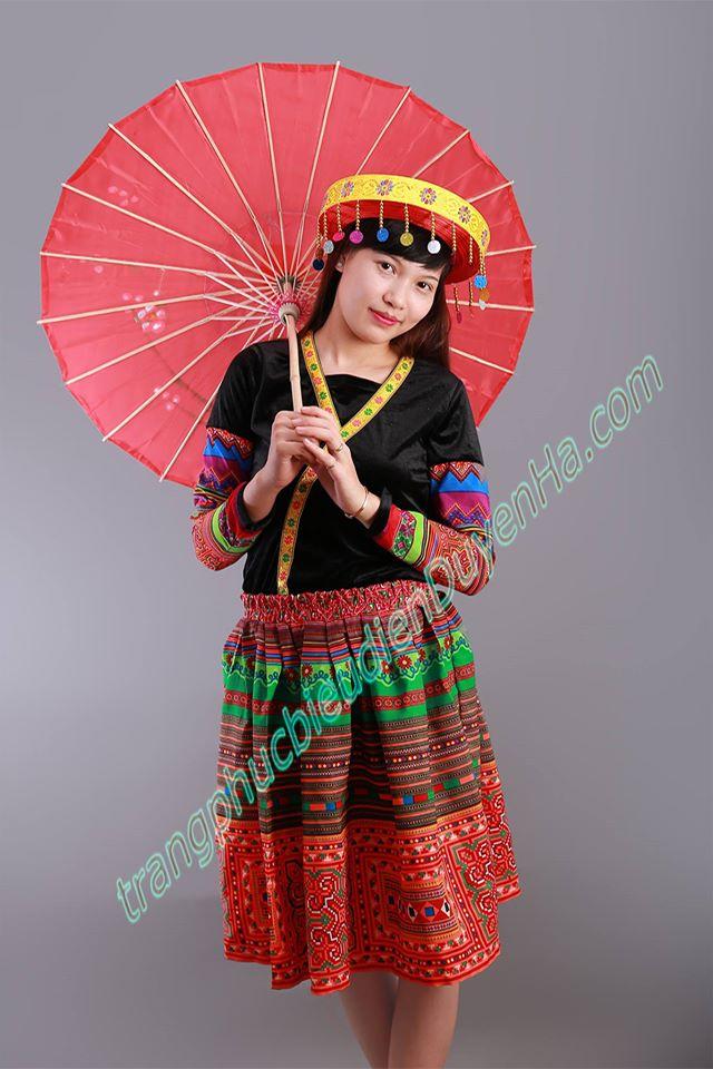 Trang phục biểu diễn Duyên Hà