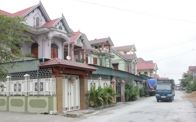 Những căn biệt thự tiền tỉ mọc lên trên đất Đô Thành
