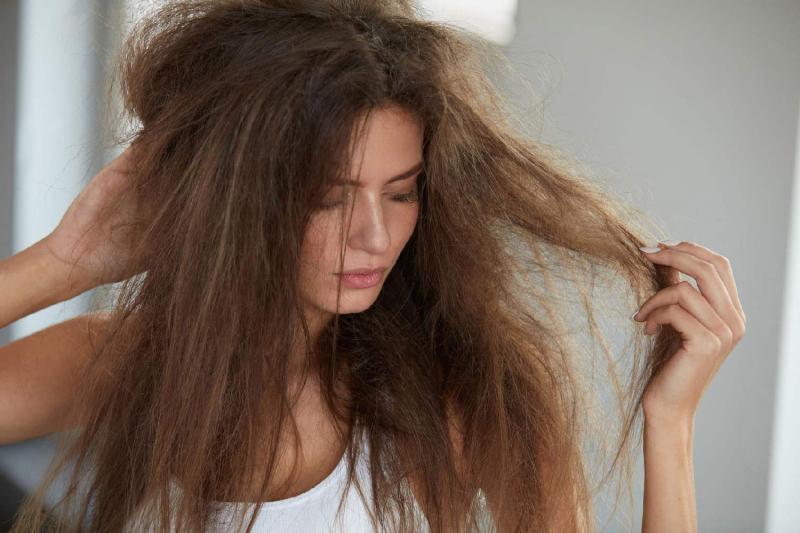 Xả lại tóc xoăn sóng nước bị xù