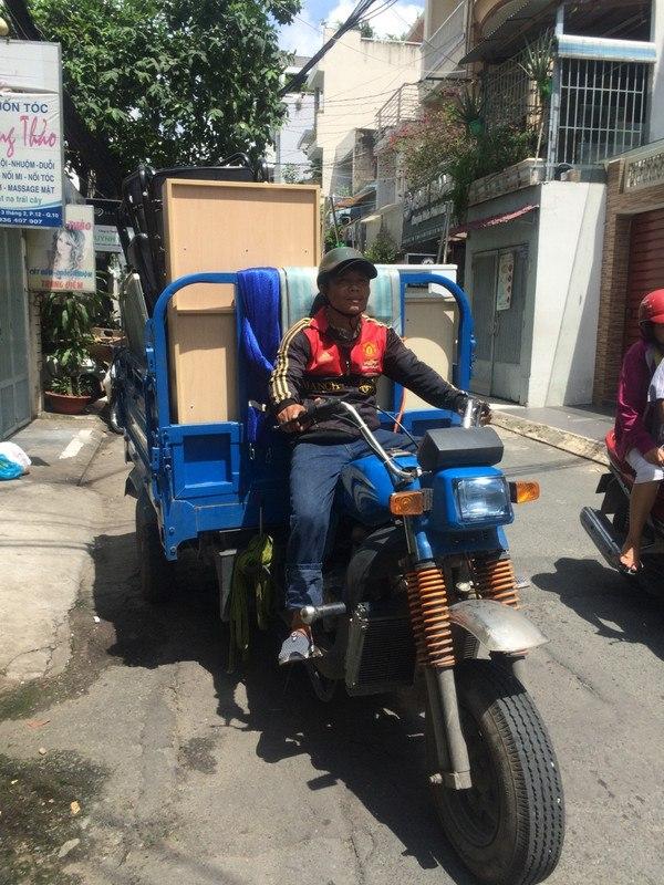 Xe ba gác vận chuyển Sài Gòn luôn sẵn sàng phục vụ khách hàng mọi lúc mọi nơi, 24/ 24h với dịch vụ chở thuê chuyên nghiệp và uy tín nhất hiện nay