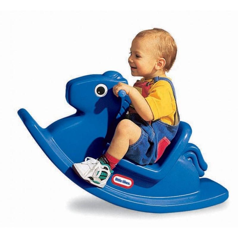 Xe bập bênh là món đồ chơi vận động phù hợp với lứa tuổi mẫu giáo