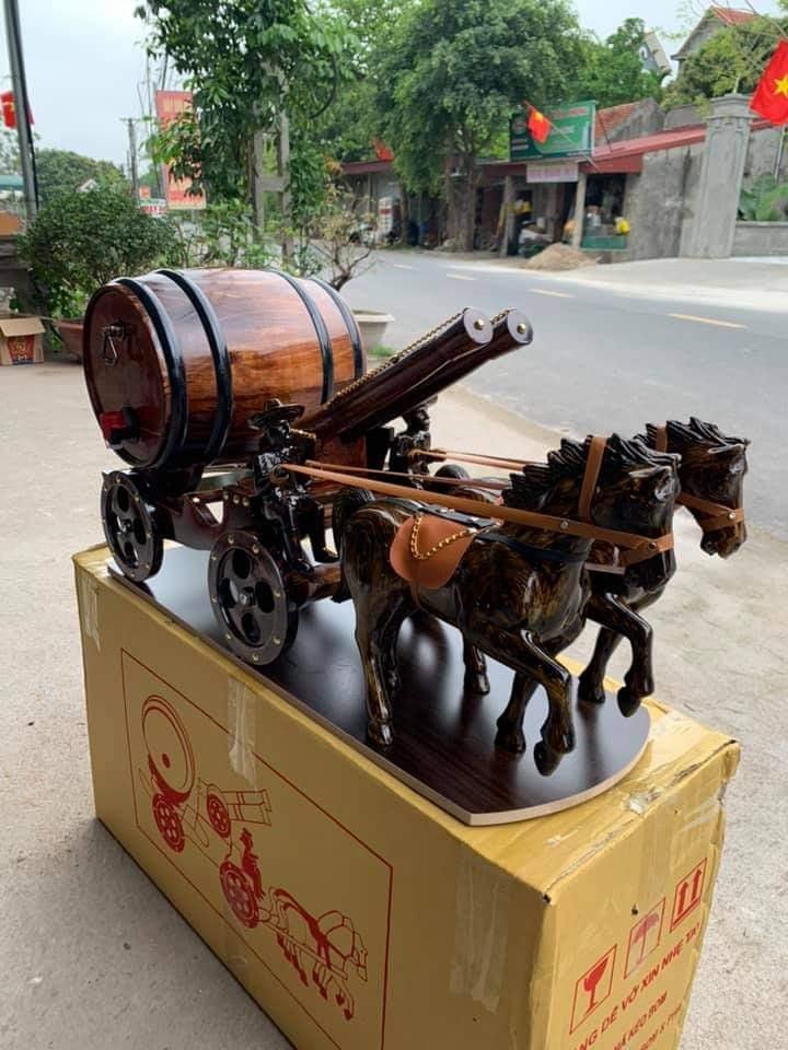 Xe ngựa kéo pháo phong thủy