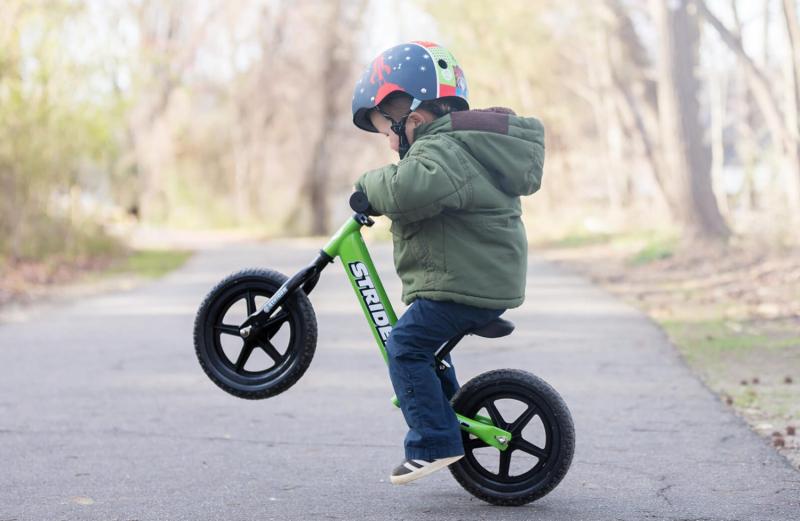 Xe thăng bằng Strider