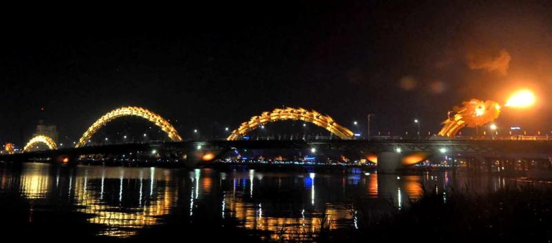 Xem cầu Rồng Đà Nẵng phun lửa dịp Tết 2019