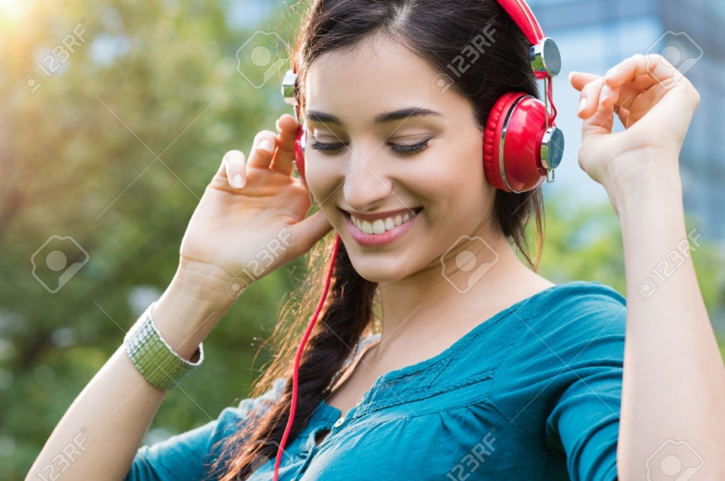 Nghe nhạc giúp bạn học tiếng Anh hiệu quả và nhanh chóng