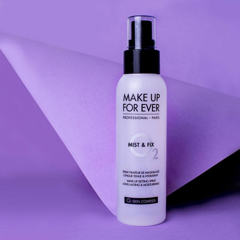 Xịt Cố Định Lớp Trang Điểm Make Up For Ever Mist & Fix Make Up Setting Spray: