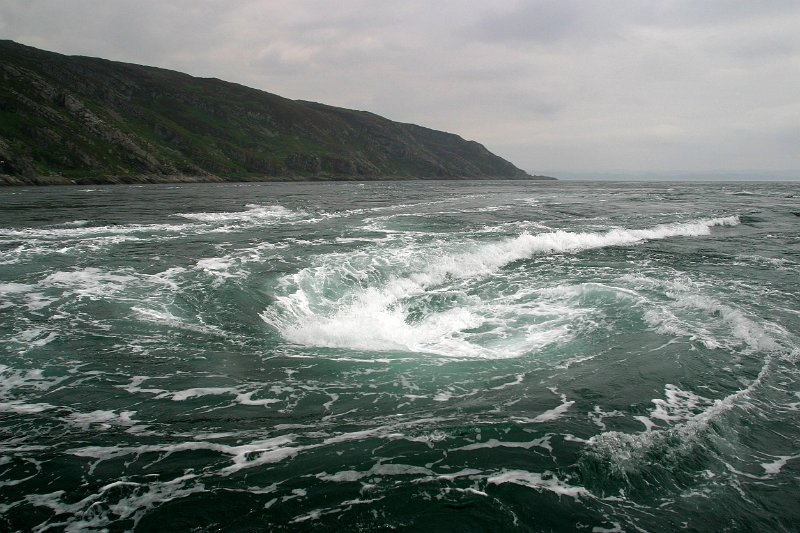 Xoáy nước vĩnh cửu ngoài khơi Scotland
