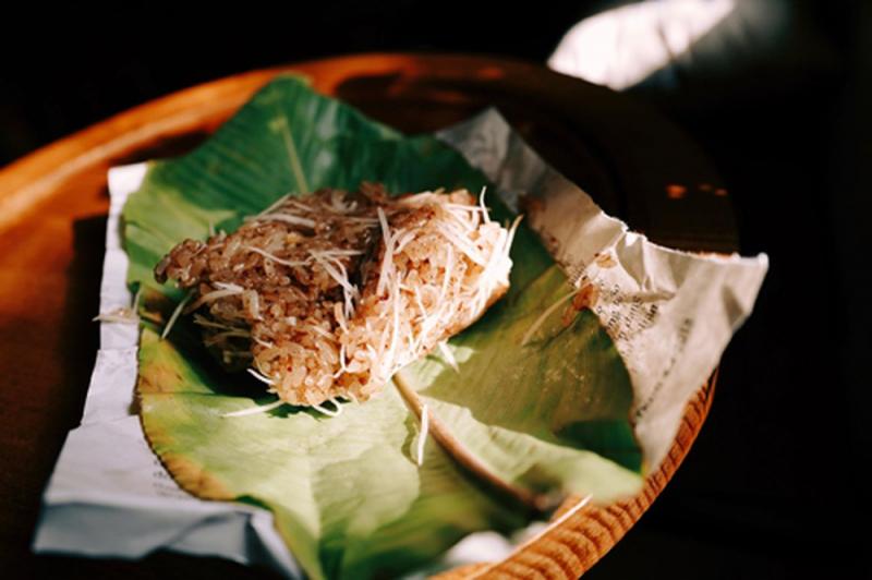 Xôi dừa có hương vị rất riêng ăn không bị đầy, bị ngán như nhiều loại xôi khác.