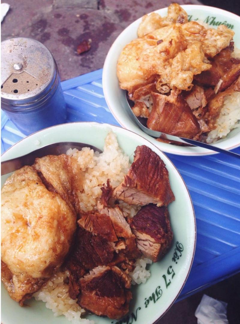 Bát xôi đầy đặn, gạo dẻo, thơm.