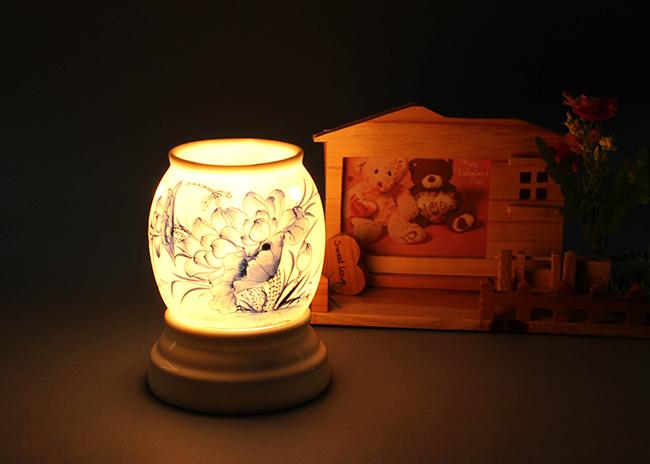 Dùng đèn xông tinh dầu