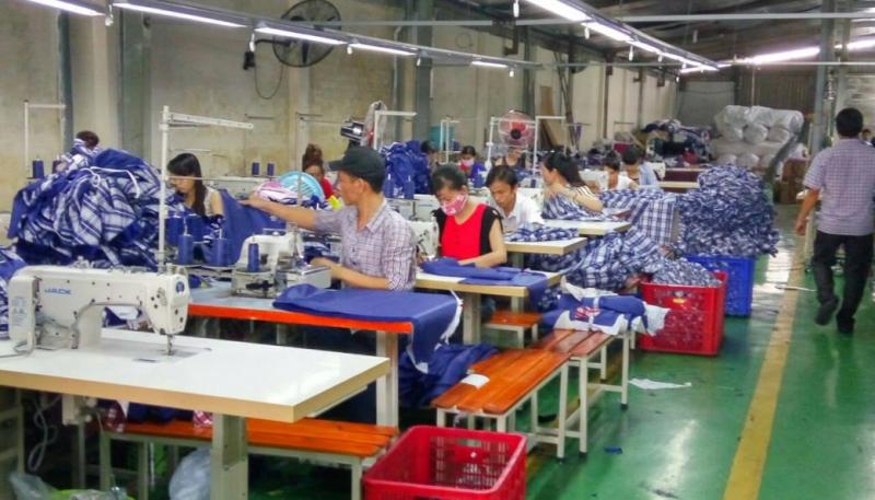 Đội ngũ nhân công lành nghề, có nhiều năm kinh nghiệm trong lĩnh vực quần áo may mặc - Hình minh họa