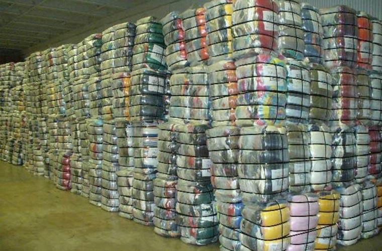 Mỗi ngày xưởng xuất ra cả nghìn sản phẩm