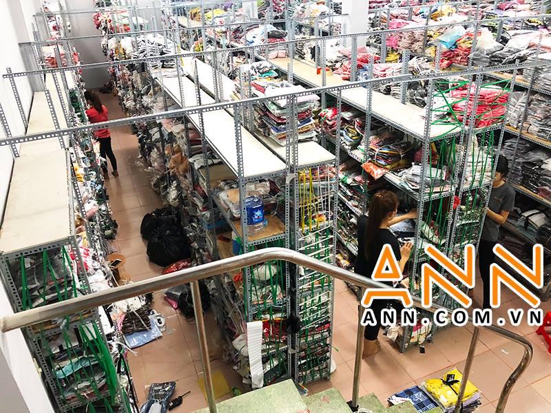 Xưởng sỉ quần Jeans ANN  vơi  hơn 6 năm kinh nghiệm cung cấp sỉ, lúc nào cũng có hơn 80 ngàn sản phẩm trữ sẳn ở kho, thêm 10 - 15 mẫu mới về mỗi ngày