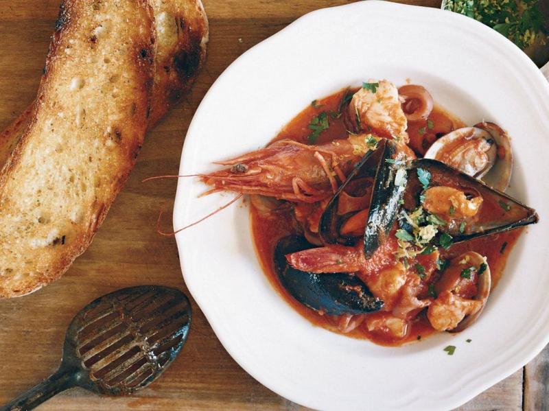 Khách du lịch Ý cần nhớ rằng pho mát không bao giờ đi cùng với hải sản.