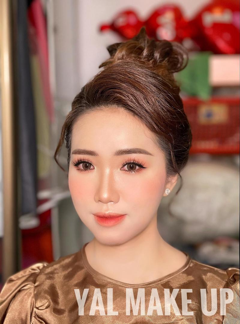 Yal Trần Academy (Trần Tuyền Makeup)