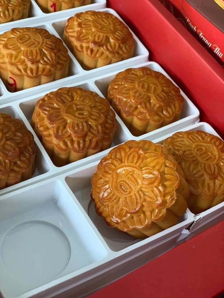 Bánh Trung thu tại Yaourt Shop rất đa dạng về mẫu mã, hương vị