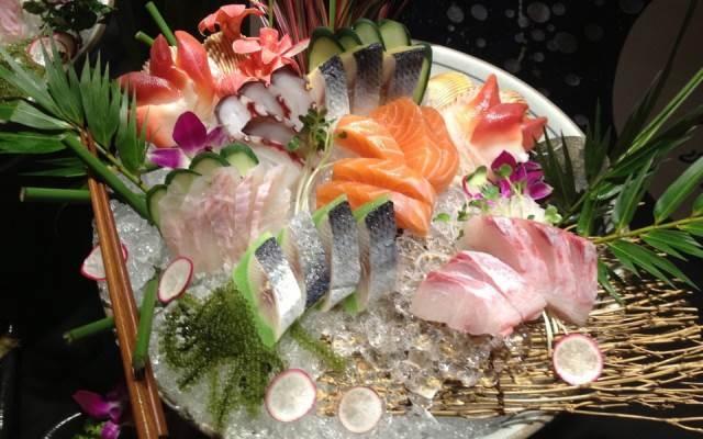 Những loại hải sản tươi sống ở nhà hàng Yen Sushi & Sake Pub