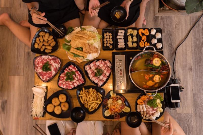 Yixin – Lẩu Hồng Kông
