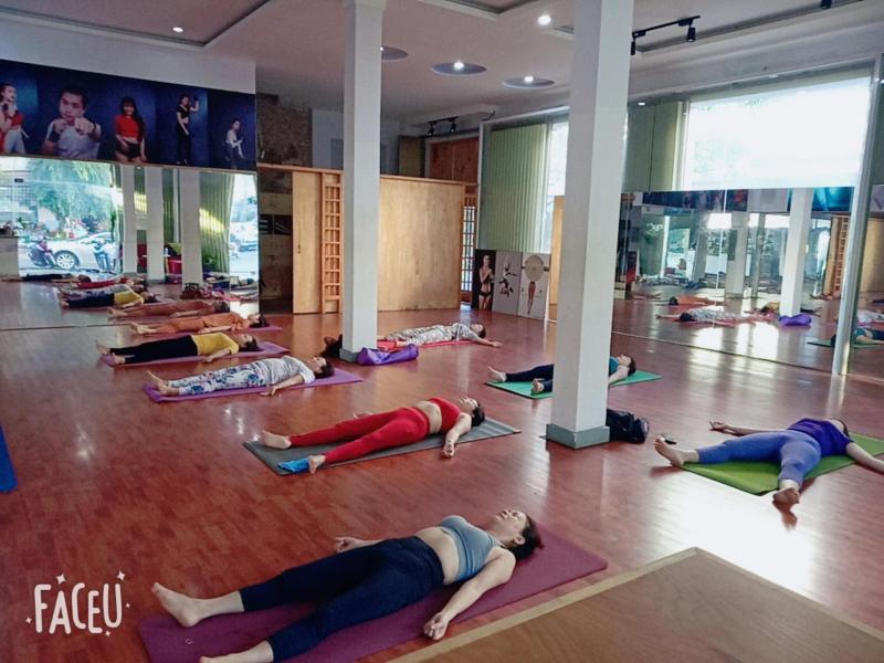 Yoga Ban Mê Hari's