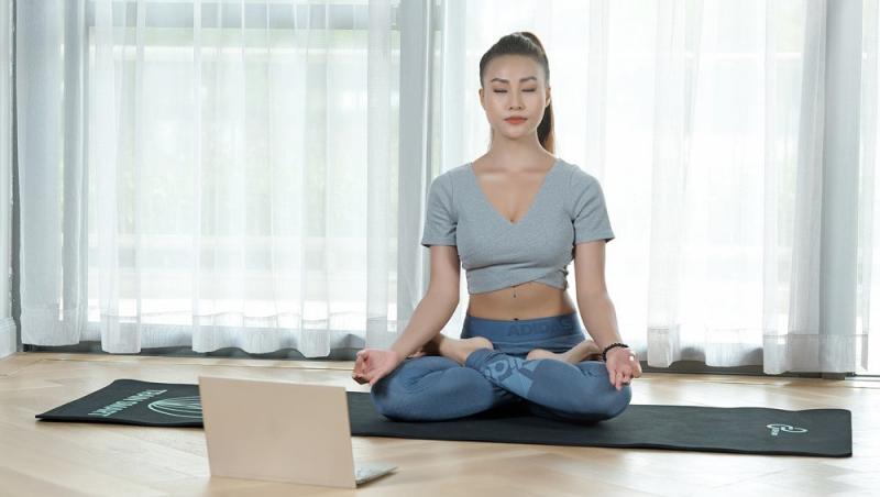 Tập yoga có thể giúp bạn cải thiện sự cân bằng và có được hơi thở thở bình tĩnh hơn