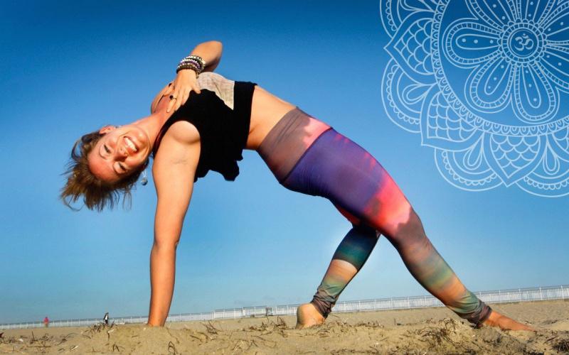 Tập Yoga hoạt động toàn bộ cơ thể.
