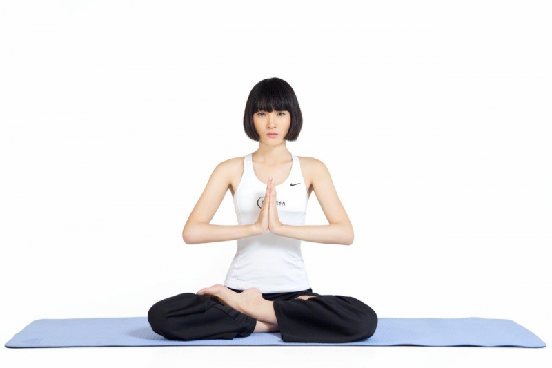 Tập yoga hoặc ngồi thiền sẽ giúp cho tinh thần thoải mái hơn