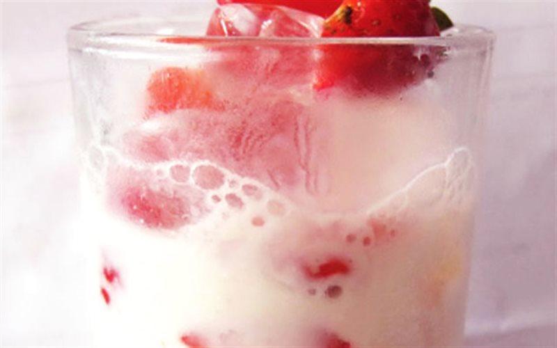 Yogurt dâu dầm