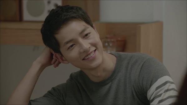 Đại úy Yoo Shi Jin đẹp trai và nam tính