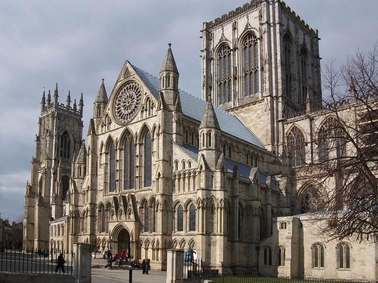 York Minster là một trong những nhà thờ cổ kính nhất Bắc Âu